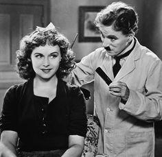Paulette Goddard & Charlie Chaplin - The Great Dictator 1940
