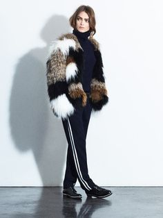 The 32 best Fur Looks images on Pinterest   Womens fashion, Feminine ... 4bb90c8cad