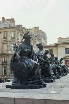 Les statues des 6 continents du monde, Paris Yves MARQUE - Google+
