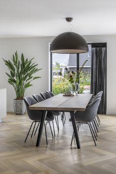 """www.lifs.nl #lifs #interiordesign #interior #design #ontwerp #3D #maatwerk #visgraat #lichtplan Foto: Denise Zwijnen – """"Stijlvol Wonen"""" – © DPG Media Home Deco N.V."""