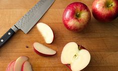 You don't need culinary school. Keep Apples From Browning, Go Browns, Fall Fruits, Apple Desserts, Apple Butter, How To Squeeze Lemons, Fun Cooking, Cooking Tips, Apple Slices