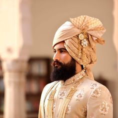 Stylish Indian Beard Styles for Grooms: Cleaned Shaved Grooms, Naaa. Sherwani For Men Wedding, Wedding Dresses Men Indian, Wedding Outfits For Groom, Wedding Dress Men, Bridal Outfits, Wedding Men, Turbans, Indian Beard Style, Groom Wedding Accessories