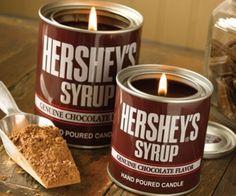HERSHEY'S(ハーシー)のチョコレートシロップ、皆さんはお好きですか? パンケーキやアイスクリームにかけて美味しいのはもちろんのことですが、あのロゴ入りのパッケ …