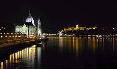 Una de las caras más bellas de Budapest - Buda a la derecha y Pest a la izquierda con el Parlamento y el Danubio