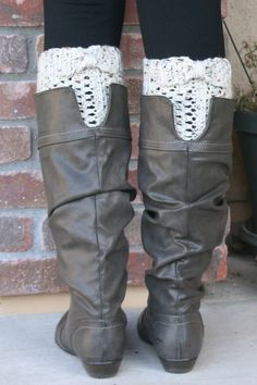 Soft and cozy, these boot cuffs are the icing on Old Man Winters cake! Wear them with Uggs, cowboy boots, riding boot...the possibilities are