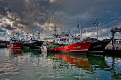 PUERTO DEPORTIVO Y PESQUERO Actualmente el puerto deportivo de Santoña cuenta con más de 300 amarres. http://www.turismosantona.com/rutas_urbanas.php