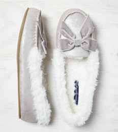 AEO Shimmery Bow Slipper, Dark Grey | American Eagle Outfitters