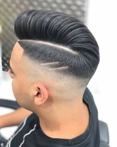 How To Get The Perfect Side Parting: 19 Best Side Part Haircuts - Men's Hairstyles Haircuts With Bangs, Girl Haircuts, Haircuts For Men, Haircut Men, Short Hair Cuts, Short Hair Styles, Razor Fade, Side Part Haircut, Chic Hairstyles