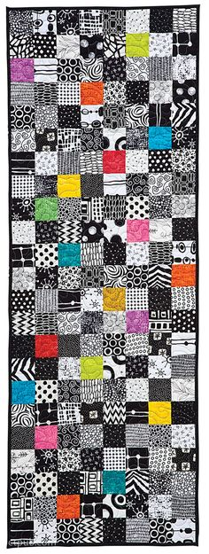 Kim Schaefer –– Striking modern quilts for tabletop and home decor Make it dramatic with 24 easy modern quilts from best-selling author Kim Schaefer (over 200,000 books sold.) Bold black-and-white des