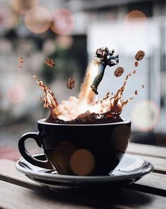 Amazing coffee pic!! Coffee Shot, Barista, Coffee Is Life, I Love Coffee, Coffee Break, Coffee Time, My Coffee, Coffee Drinks, Coffee Humor