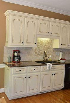 painted kitchen cabinet details, kitchen cabinets, kitchen design, painting, Kitchen cabinets painted and glazed