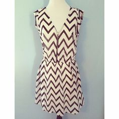 ✨Host Pick x2✨ Chevron Black and White Guess Dress Black and white chevron dress! Perfect condition, only worn twice for just a few hours. Zip up front, cinched waist, capped sleeves, and pockets! Size small, but could possibly fit a medium. Host Pick 4/10/15 Date Night Party, and 4/14/15 Fashion Mayhem Party!No traded or PayPal Guess Dresses
