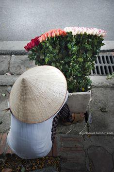 Flower seller,Viet Nam >> Things to do in HN. http://www.exoticvoyages.com/travel-blog/things-do-hanoi-capital-heroes?utm_source=Pin&utm_medium=organic&utm_campaign=SM