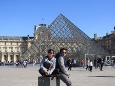 Louve museum de Paris