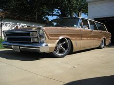 FordCountry Squire wagon 66'