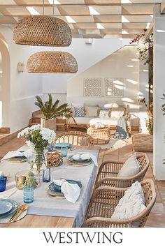 Transformez votre extérieur en oasis boho l Westwing - Lilly is Love House Design, Coastal Cottage Decorating, Cute Apartment Decor, Outdoor Living Design, Roof Design, Home Deco, Upcycled Home Decor, Outdoor Living, Beach House Decor