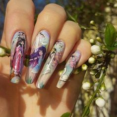 I love to paint these kind of stories on my nails :-D