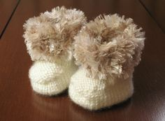 Knitted Baby Booties Pattern by on Etsy Knitting For Kids, Loom Knitting, Knitting Projects, Baby Knitting, Knitted Baby, Knit Baby Booties, Baby Boots, Crochet Bebe, Love Crochet