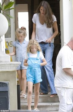 Jools Oliver Jools Oliver, Jamie Oliver, Overall Shorts, Frocks, Style Me, Overalls, Sweatpants, Street Style, Fashion Outfits