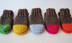 Baby Knitting Patterns Gloves free crochet pattern two tone baby mittens Crochet Baby Mittens, Crochet Baby Blanket Beginner, Crochet Baby Clothes, Crochet Gloves, Baby Knitting, Booties Crochet, Newborn Crochet, Knitted Baby, Crochet For Kids
