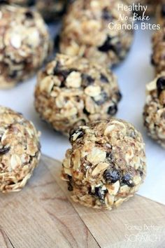 Healthy No-Bake Granola Bites are the perfect snack! Packed with whole grains and protein to leave you feeling energized and full, longer. #snack #healthy #easy #kidfriendly via @betrfromscratch