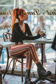 Fashion 90s, Tokyo Street Fashion, Grunge Fashion, Look Fashion, Fashion Outfits, Womens Fashion, Fashion Shoes, Grunge Outfits, Edgy Outfits