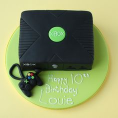 11 Video Game Birthday Cakes For Boys Photo - Birthday Cake Game, Xbox Video Game Theme Birthday Party and Game Controller Birthday Cake Playstation Cake, Xbox Cake, 13 Birthday Cake, Birthday Cake With Photo, Birthday Ideas, 10th Birthday, Xbox Party Food, Game Party, Bolo Xbox