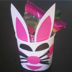 http://cartulina.es/pascuas-manualidades-para-ninos/ Manualidad de Pascua para niños