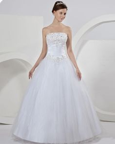 Classic Tulle Embroidery Ball Gown Wedding Dress