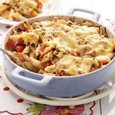 [Oven] Penne met kruidige kip - Paleo by Leo I Love Food, Good Food, Yummy Food, Oven Dishes, Pasta Dishes, Easy Cooking, Cooking Recipes, Healthy Recipes, Spicy Mac And Cheese