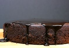 Six Minute Chocolate Cake with Chocolate-Balsamic Glaze from NoblePig.com #vegan