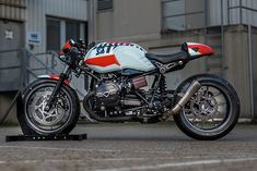 We're huge fans of BMW's retro lineup here at Pipeburn. Hell, Andrew, the fearless co-founder of Pipeburn, recently shelled out his own hard-earned cash for a brand spanking new RnineT. Lots of others have too. Since its release in 2014 the retro-inspired BMW..., http://www.pipeburn.com/home/2017/12/23/diamond-atelier-rninet-eicma-special.html