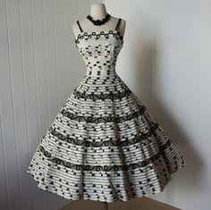 b&w 50s dress. i adore!
