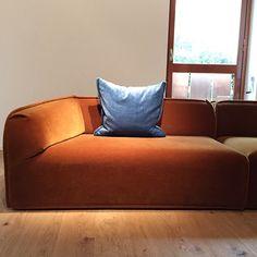 #mulpix This M.A.S.S.A.S. sofa by #PatriciaUrquiola @morosofficial was absolutely amazing in #Kvadrat burnt orange mohair velvet. #stunning #mdw2015 #isaloni #furniture #sofa #divano #design #interiordesign #orange #mohair #velvet #nofilter #bluevelvet #hookem #hookemhorns