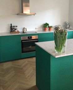 Modern Country Kitchens, Home Kitchens, Decor Interior Design, Interior Decorating, Inside Home, Simple Furniture, Green Kitchen, Living Spaces, House Design
