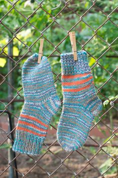 This great warm and handmade pair of socks is made of wool and acrylic threads! #KnitAndCozy
