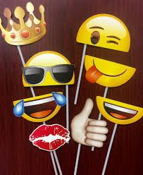 Pick Your Own Emoji on a Stick Smiley Emoji Party by SnapProps Party Emoji, 12th Birthday, Happy Birthday, Birthday Parties, Emoji Photo, Party Props, Smileys, Photo Booth Props, Ideas Para Fiestas