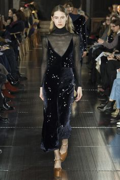 Gabriela Hearst Fall 2017 Ready-to-Wear Collection Photos - Vogue Style Haute Couture, Couture Fashion, Runway Fashion, Womens Fashion, Fashion Trends, Vogue Fashion, Ladies Fashion, Fashion Tips, Dark Fashion