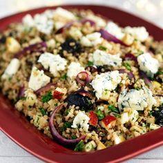 God och mättande vegetarisk sallad som också blir en fin rätt på julbordet – fungerar i eget majestät och till julskinka, rökt kött eller stekt eller rökt lax.