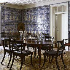 Dining in Lisbon. The unseen pictures of the #lisbonportfolio by @miguelfloresvianna #interiors #lisbonmania #azuleijos #blueandwhite #oldschool #decoratingideas #portuguesestyle