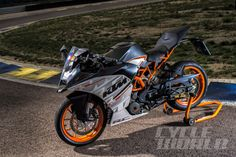 2015 KTM RC390 – First Ride Review KTM's racy single is like a taste of Moto3.