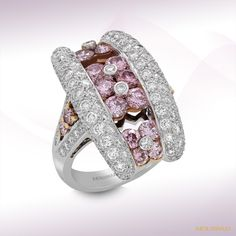 Mouawad-diamond gold ring   ~ photo gallery of 2012 by Mouawad