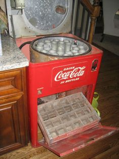 Early 1950's Coca Cola  - 6 cent Coke Machine | Collectors Weekly