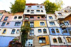 ウィーンの街で、うねうね曲がるカラフルな建築を見つけたよ | roomie(ルーミー)