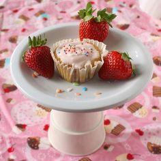 Cupcake Recipes : Fresh Strawberry Cupcakes - The Recipe ReDux