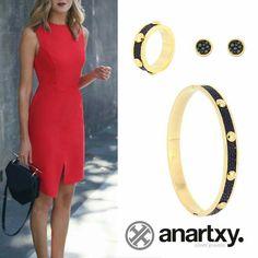 Elegancia en acero y piel  #anartxy #JoyasEnAcero #JóiasEmAço #SteelJewel #BijouxEnAcier #estilo #style #woman #mujer #tendencia www.anartxy.com