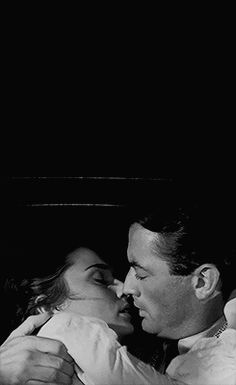 Gregory Peck and Audrey Hepburn, Roman Holiday Gregory Peck, Vintage Hollywood, Classic Hollywood, Hollywood Images, Romance, Roman Holiday, Holiday Gif, Old Movies, Star Wars