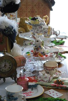 Mad Hatter's TeaParty @ Home is Where the Boat Is #aliceinwonderland #teaparty