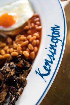 Chuc's Café in South Kensington London, England Full English Breakfast Vegetarian by Annie Fairfax Travel Articles, Travel Advice, Kensington London, Unique Restaurants, Best Places To Eat, Ultimate Travel, Travel Photographer, Yummy Drinks, London England