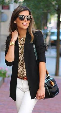 15 Classy and Elegant Spring Women Work Outfits In 2020 - VivieHome Pantsuits are usually known for his or her professional appearance and they're thought to be a perfect alternative for business women. This look is ideal for a casual party or gathering. Stylish Work Outfits, Spring Outfits Women, Winter Outfits For Work, Business Casual Outfits, Work Casual, Classy Outfits, Chic Outfits, Fashion Outfits, Women's Fashion